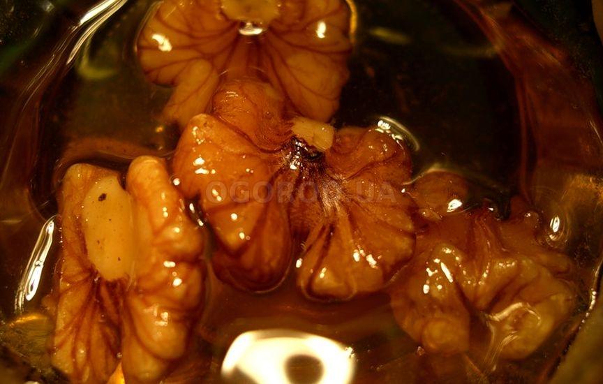 Нежелательно превышать рекомендованную суточную норму грецких орехов